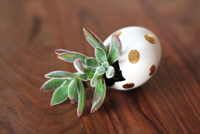 gold foil easter egg diy