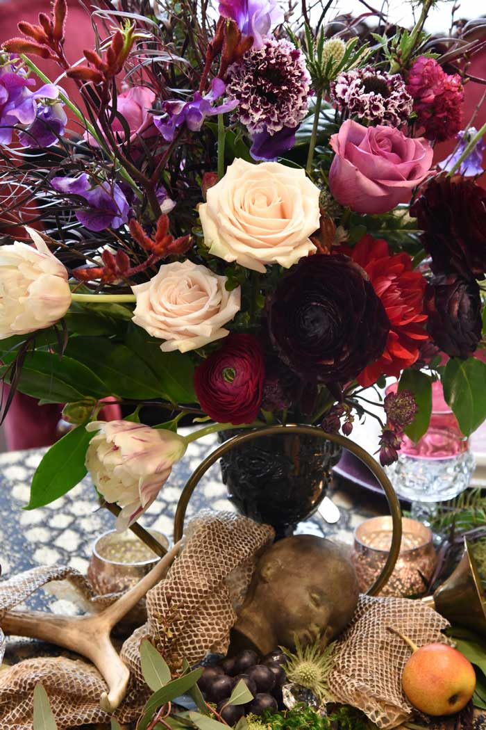 Moody floral design, perfect for a halloween wedding or event!