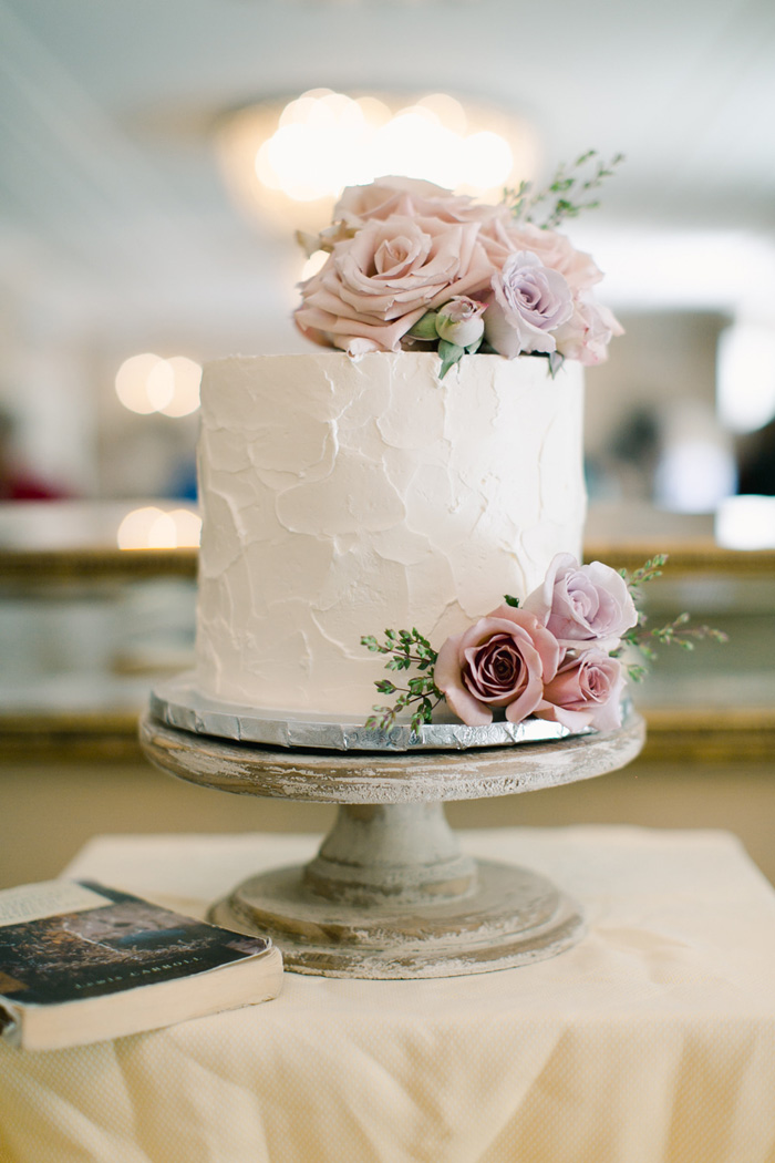 Fresh cake flowers in shades of blush, mauve,and lavender