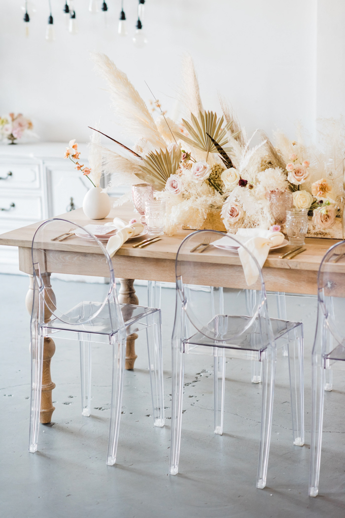 Ethereal Dry flowers with an elegant neutral tablescape for wedding inspiration.