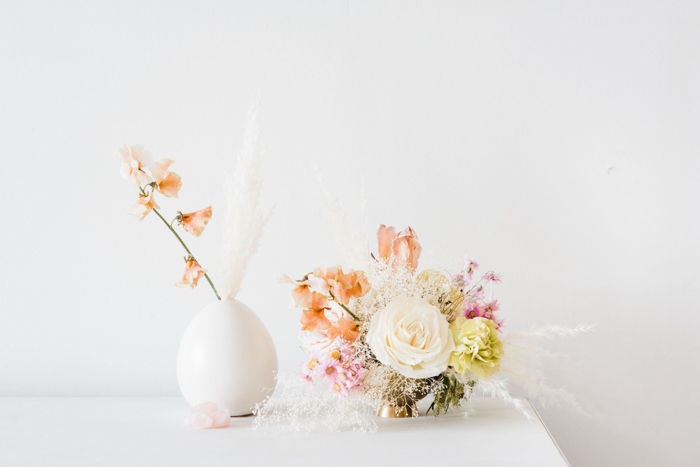 Rose Quartz & ethereal style dry flower arrangements for wedding inspiration