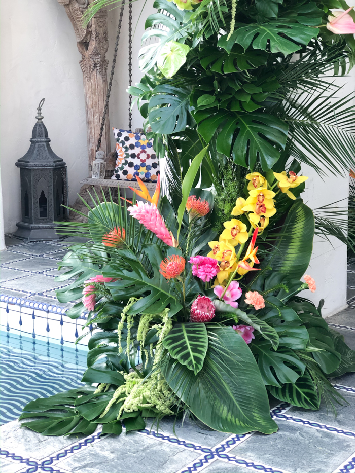 A lush, foam-free, tropical installation by Winston & Main for a celebrity event in Los Angeles in early spring 2020.